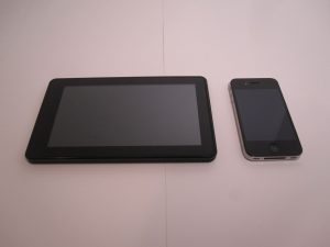 Kindle Fire vs iPhone 4