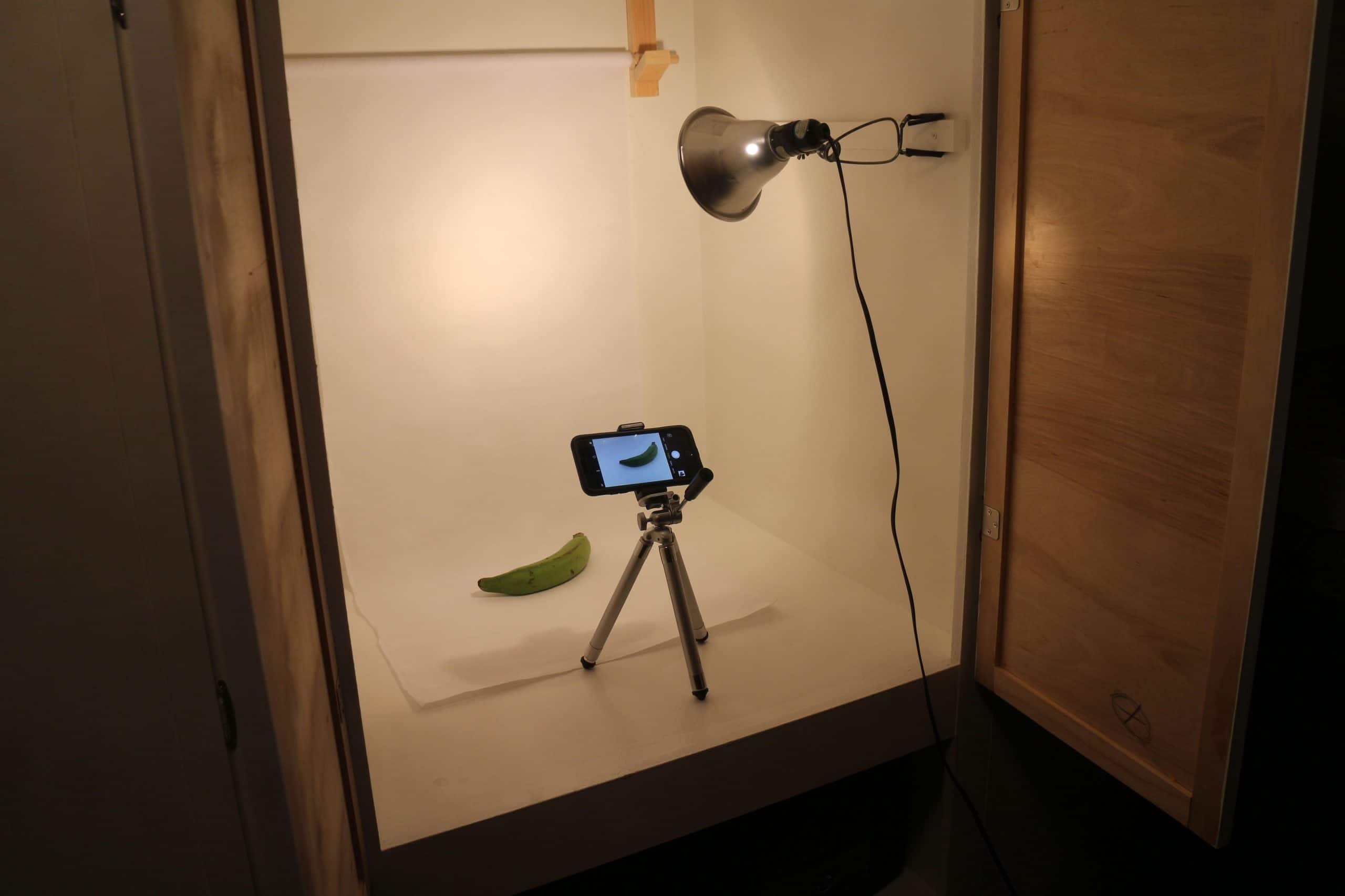 diy lightbox for photography